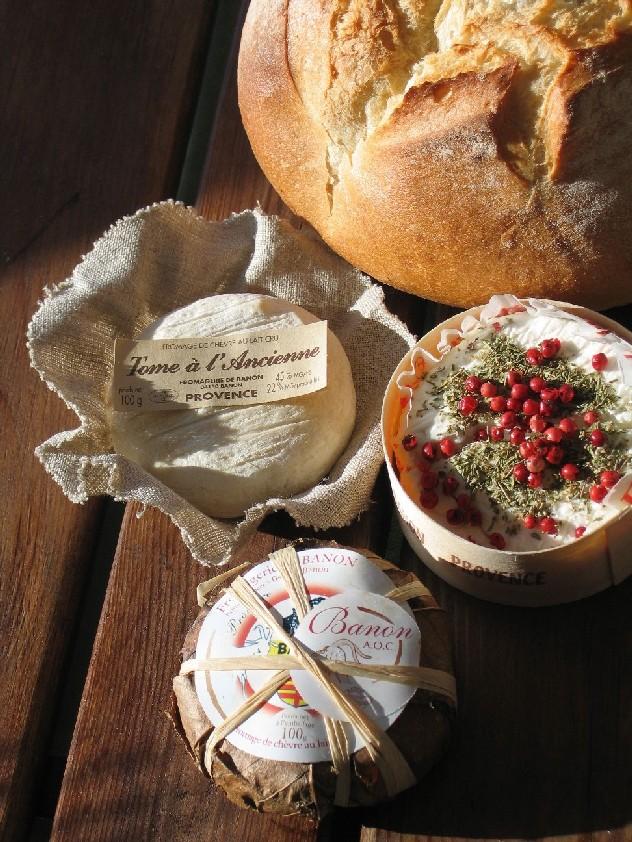 fromage de chèvre banon et pain